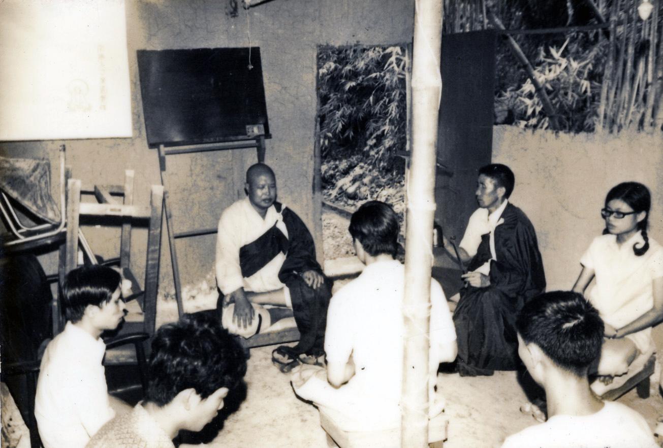 草寮時期(民國62年-64年)老和尚帶領打坐念佛